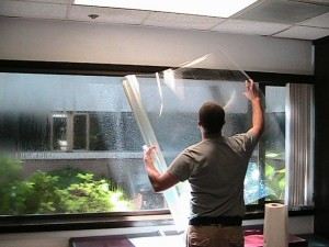 Пленка на пластиковые окна: преимущества