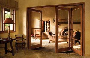 Межкомнатные раздвижные трехстворчатые двери