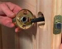 Как самому установить дверную ручку