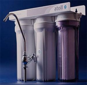 Бытовой проточный фильтр с отдельным краном для очистки питьевой воды