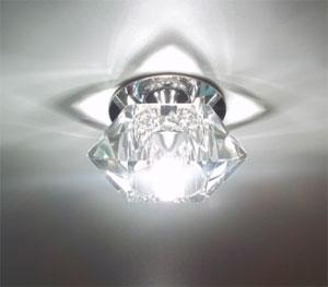 Наружный точечный светильник в натяжном потолке