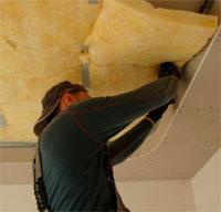 Как своими руками звукоизолировать потолок