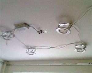 Монтаж закладных под точечные светильник в натяжном потолке