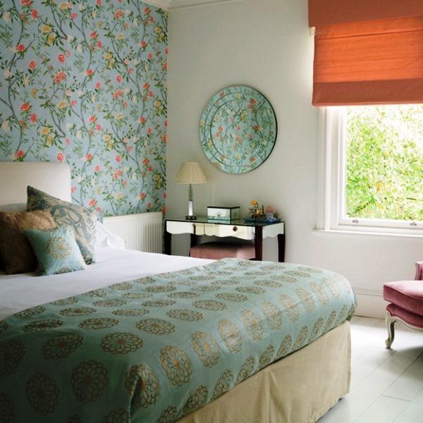 бумажные обои в интерьере спальни 3