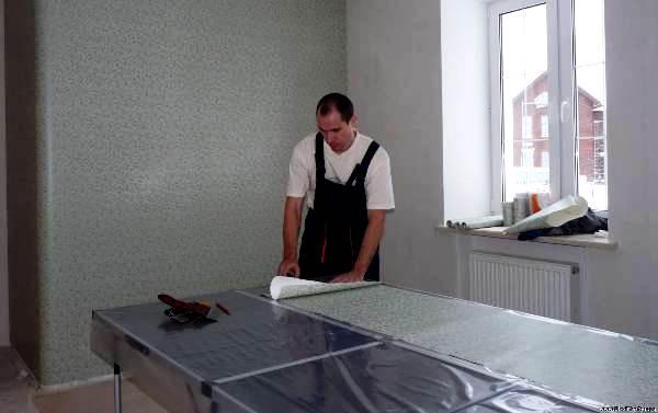 как клеить текстильные обои