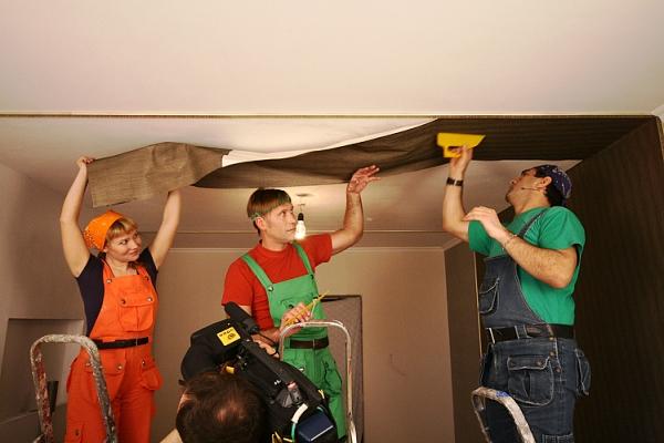 ремонтные флизелиновые обои для потолка