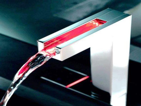 сенсорный смеситель для кухни 2