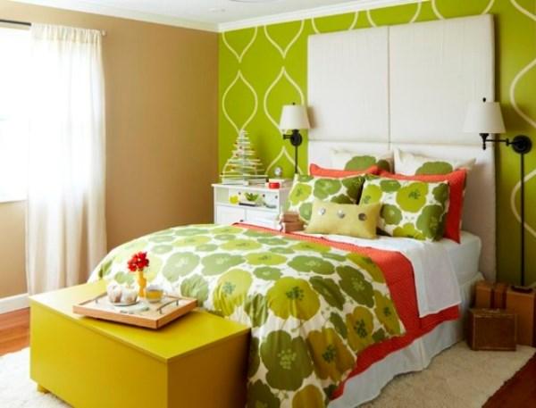 интерьер спальни с разными обоями фото