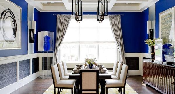 комната с синими обоями фото