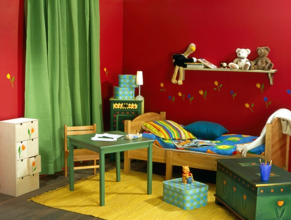 красные обои в спальне фото 5