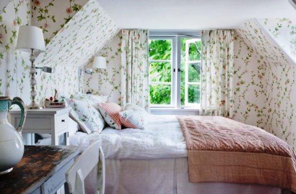 светлые обои для спальни в интерьере фото