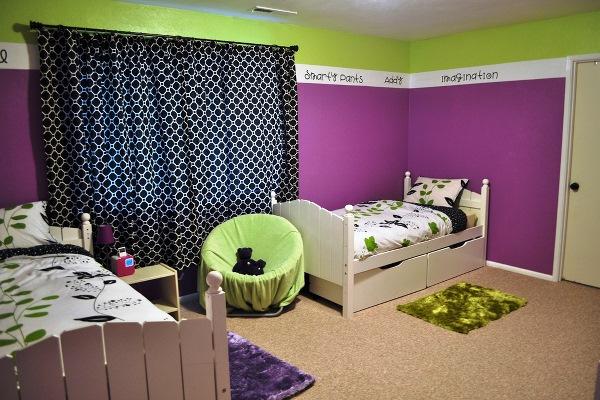 Фиолетовые обои: особенности, оттенки, подбор штор