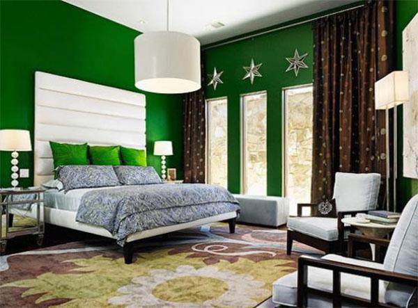интерьер комнаты с зелеными обоями фото