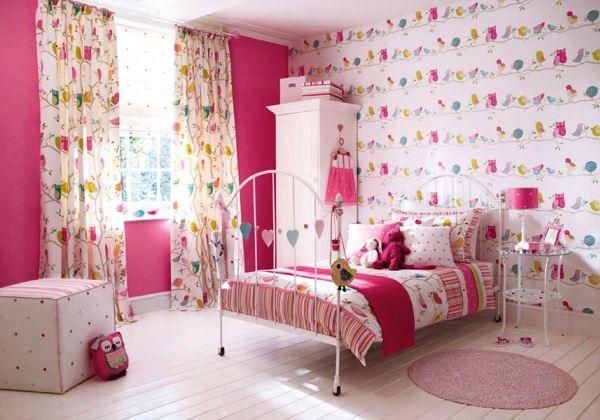 розовые обои в детской фото