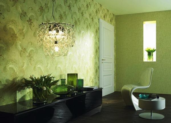 зеленые обои в интерьере гостиной фото