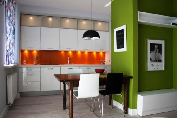 Яркие обои для кухни фото