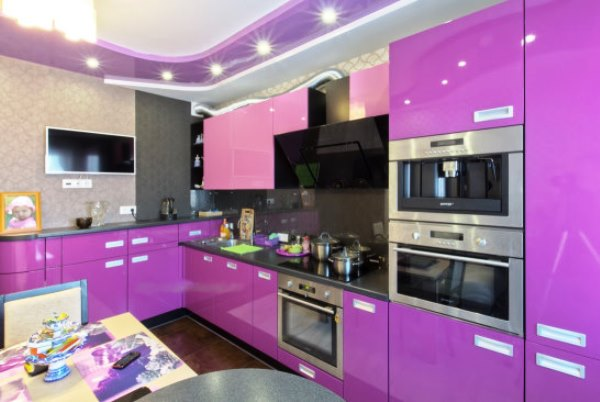 Обои для фиолетовой кухни фото