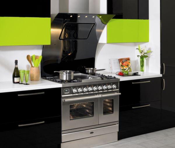наклонная вытяжка в интерьере кухни фото 6