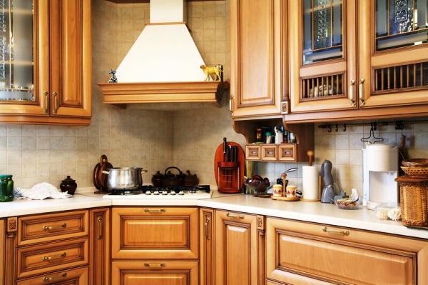 угловая вытяжка для кухни фото 7