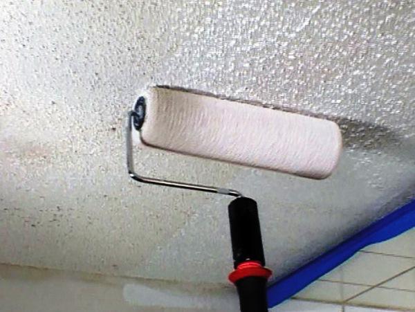 валик для структурной покраски потолка